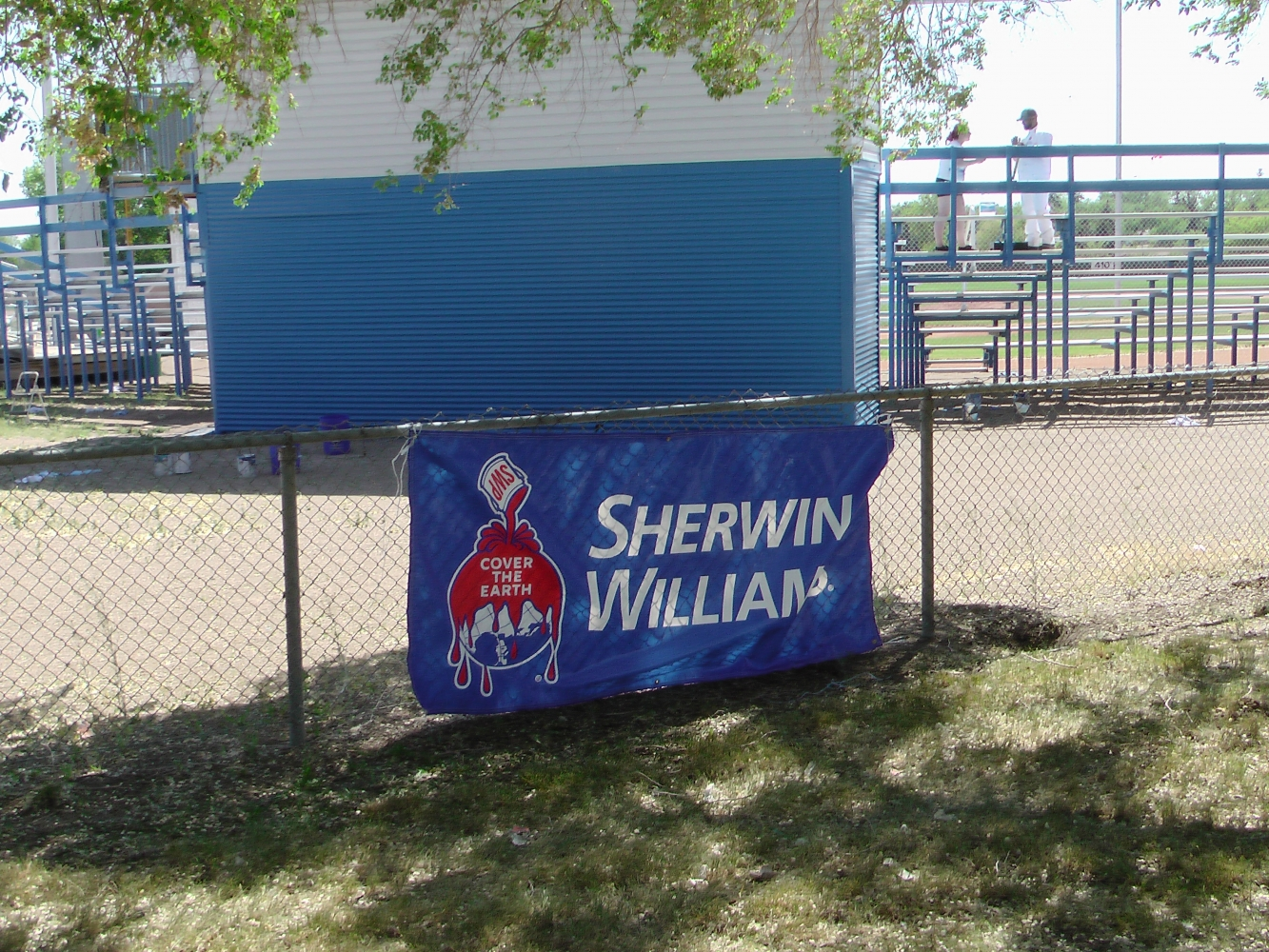 A BIG Thank You to Sherwin Williams and Staff for Supplying Volunteers and Paint for the Park! Video and Pics!