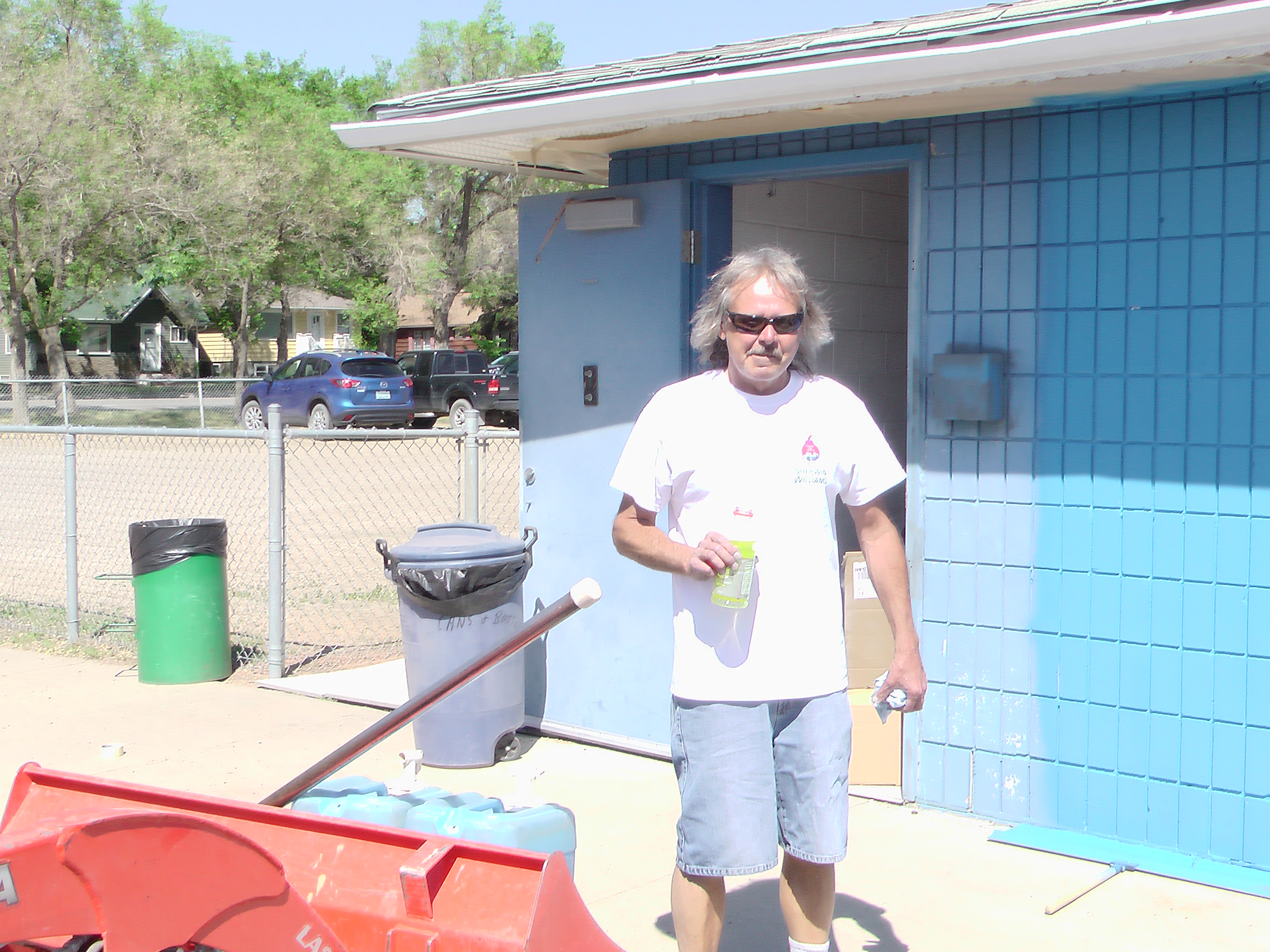 A BIG Thank You to Sherwin Williams and Staff for Supplying Volunteers and Paint for the Park! Video and Pics! - Image 9