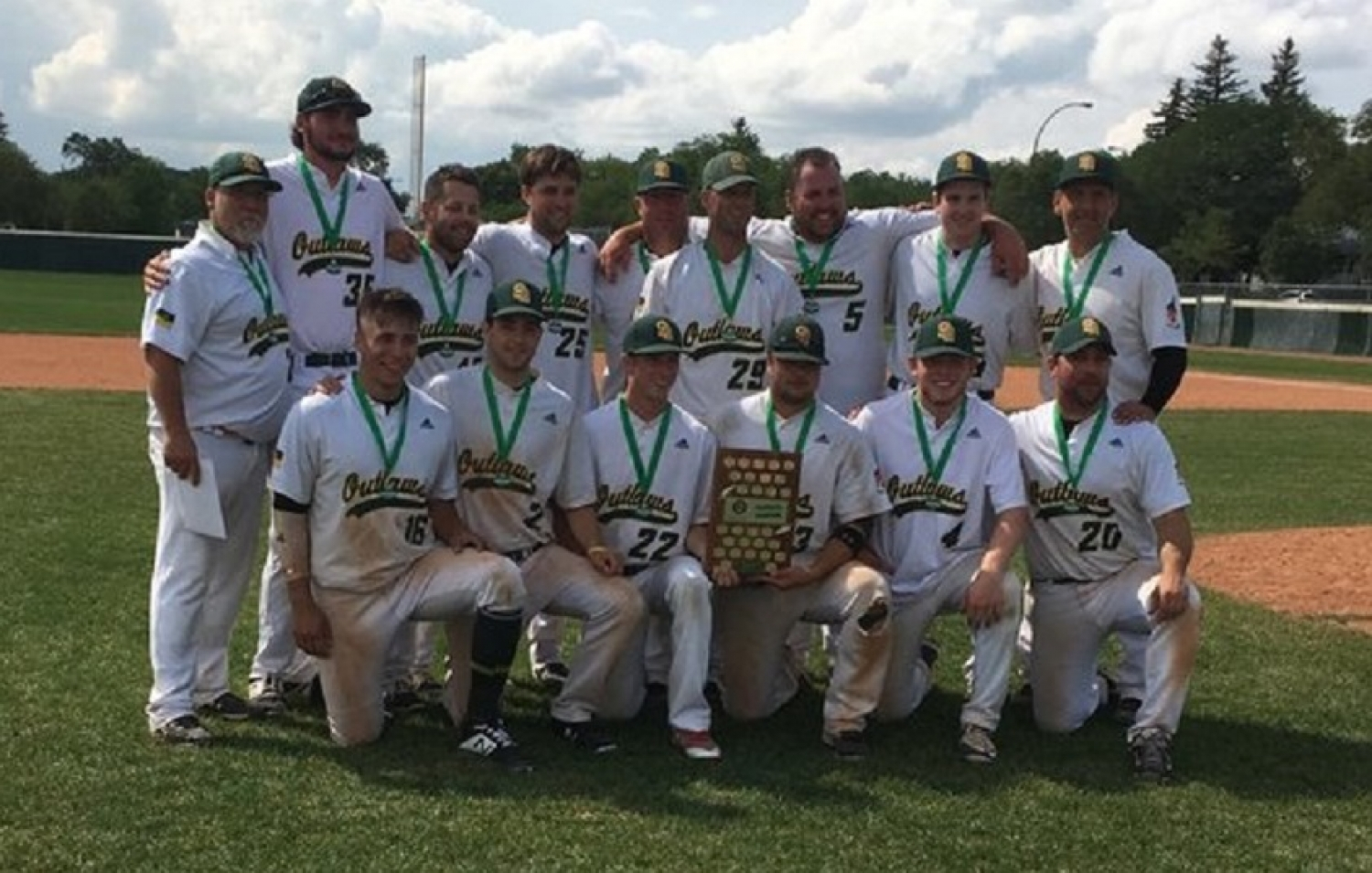 Congratulations to the Saskatoon Outlaws, 2018 Senior AA Tier 1 Provincial Champions !